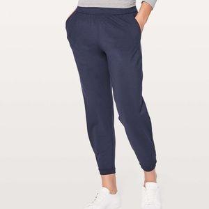 """Lululemon   Twisted & Tucked Pant 25"""" Size 6"""